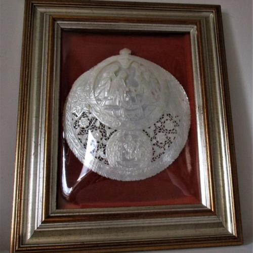 Graven image shell nacre worship Jesus Christ in the nineteenth century with glass frame